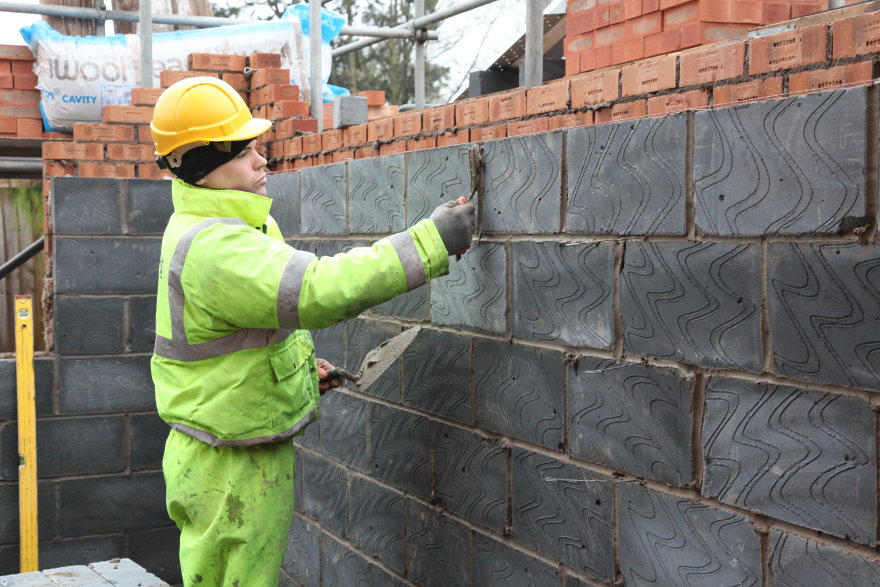 Brick layng for domestic extension